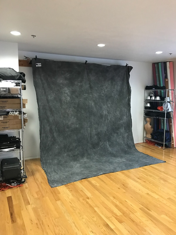 Ringlight Studios Ringlight Lighting Setup & Dark Gray Hand Painted Muslin Backdrop